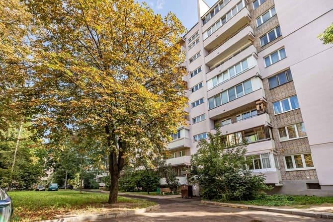 Продается однокомнатная квартира в тихом центре Минска, район Комаровского рынка, ул. Цнянская, д. 21